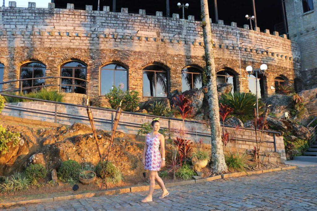 itajai castelo montemar 1024x682 - Morro da Cruz Itajaí: Você Precisa Ver O Pôr Do Sol Deste Lugar!