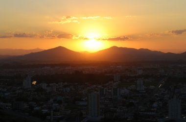 Morro da Cruz Itajaí: Você Precisa Ver O Pôr Do Sol Deste Lugar!