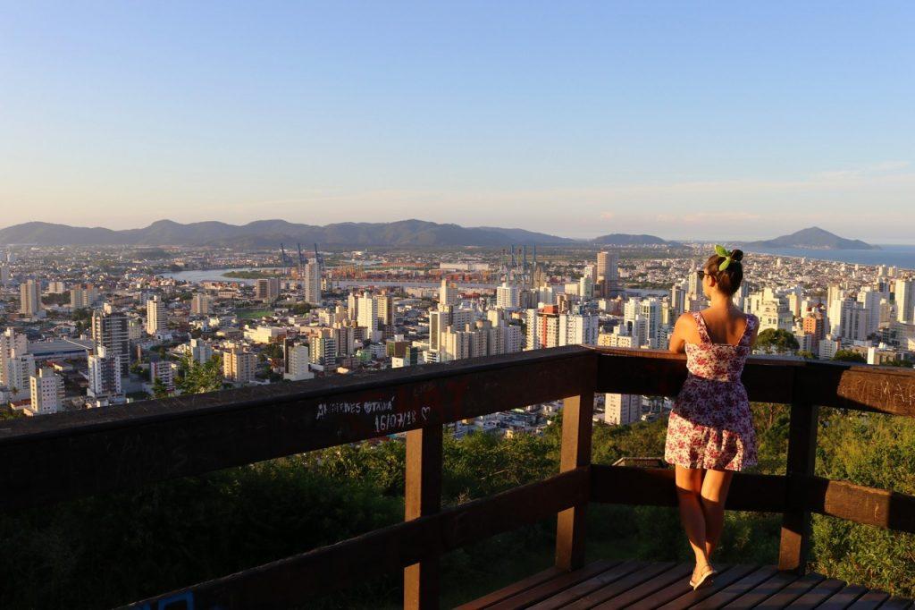 itajai sc pontos turisticos 1024x682 - Morro da Cruz Itajaí: Você Precisa Ver O Pôr Do Sol Deste Lugar!