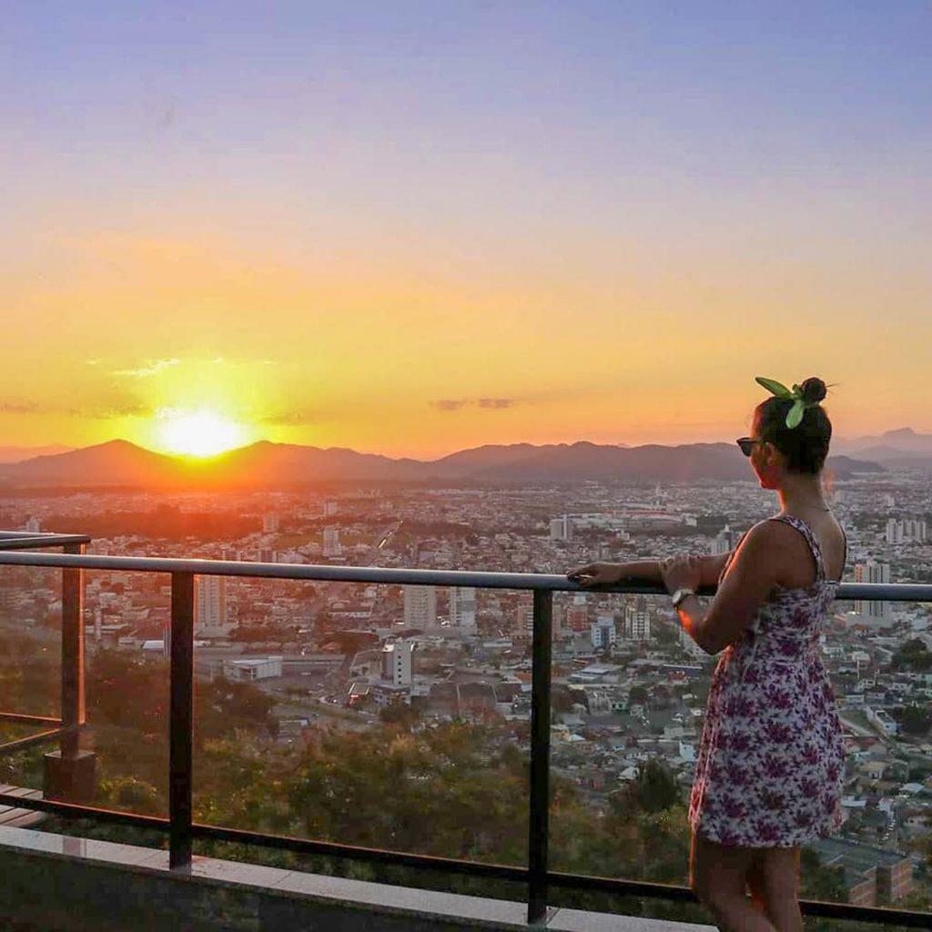 morro da cruz itajai 1024x1024 - Morro da Cruz Itajaí: Você Precisa Ver O Pôr Do Sol Deste Lugar!
