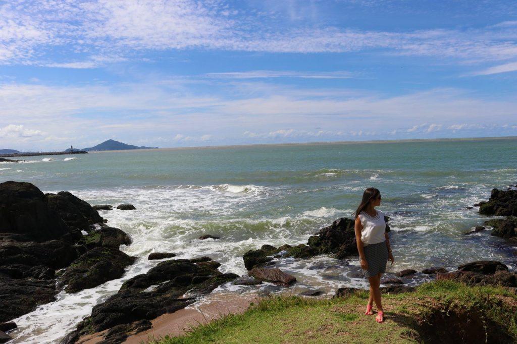 praia de cabeçudas em itajai