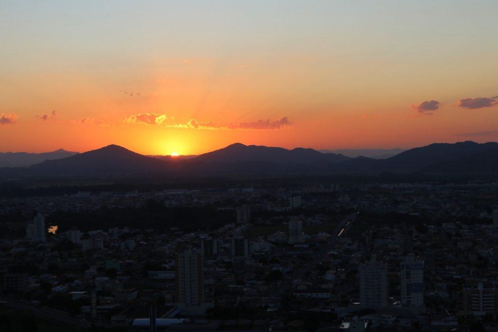 pontos turisticos em itajai 1024x682 - Morro da Cruz Itajaí: Você Precisa Ver O Pôr Do Sol Deste Lugar!