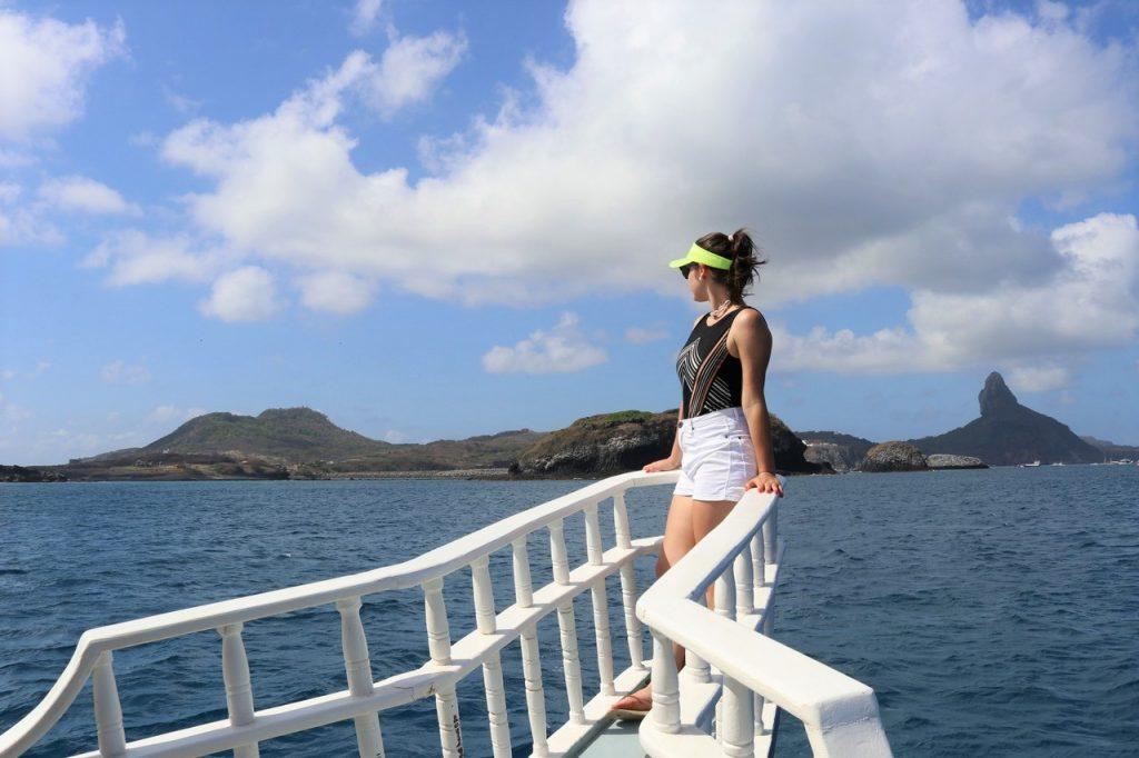 passeio de barco fernando de noronha 1024x682 - Pousada Santuário Noronha- Conheça Uma Opção Excelente De Hotel Em Fernando De Noronha