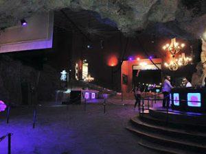 punta cana boate dentro da caverna 300x225 - Imagine Em Punta Cana -Tenha Uma Experiência Única Dentro De Uma Boate Na Caverna