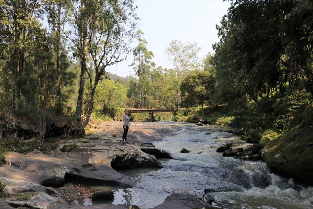 cachoeiras em doutor pedrinho 1024x682 - O Que Doutor Pedrinho Pode Nos Ensinar Sobre Lugares Incríveis
